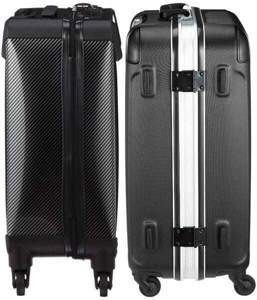スーツケースの選び方|ファスナーとフレームはどちらがおすすめ?