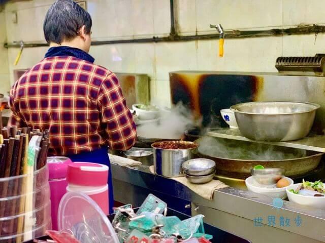 刘信牛羊肉泡馍の厨房