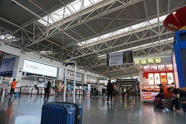 蘭州中川空港のターミナルの様子