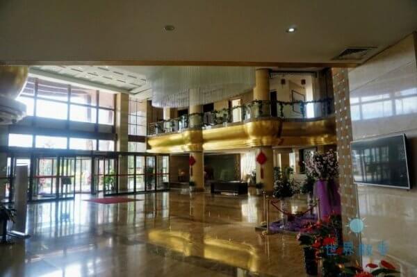 チンハイ チベット レイルウェイ ホテル(青藏铁道酒店)のフロント
