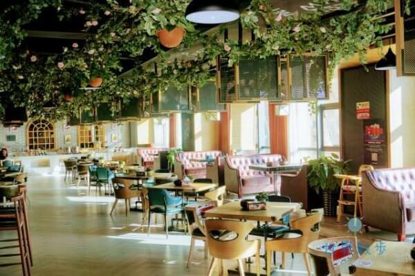メフッドホテルのレストラン