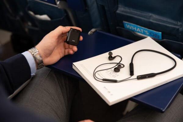 Wireless Flight Adapterを接続する