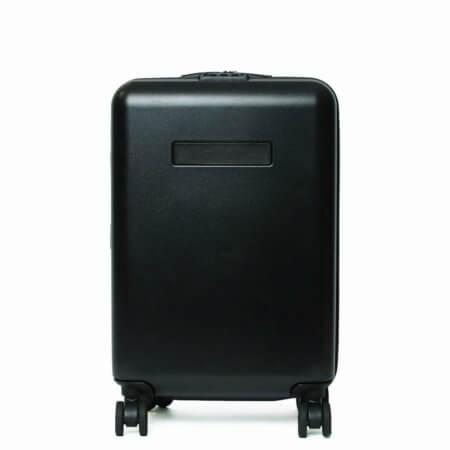 ブラックなフェリージ・スーツケース