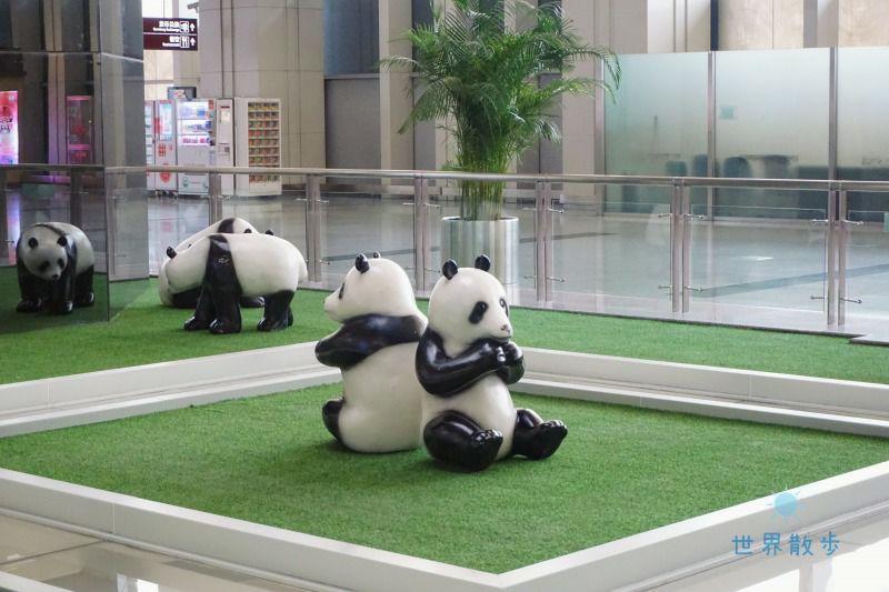 成都空港のパンダ2