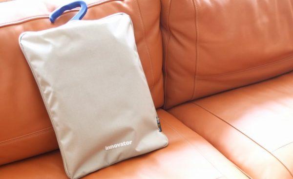 イノベーターのガーメントバッグ
