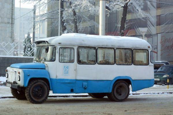 キルギスのバス
