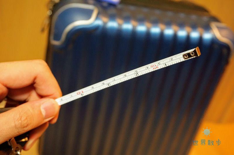 KIKKERLANDのアナログラゲッジスケールはメジャー付き