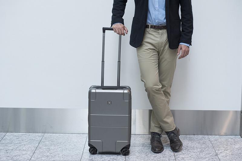 ビクトリノックスのスーツケース