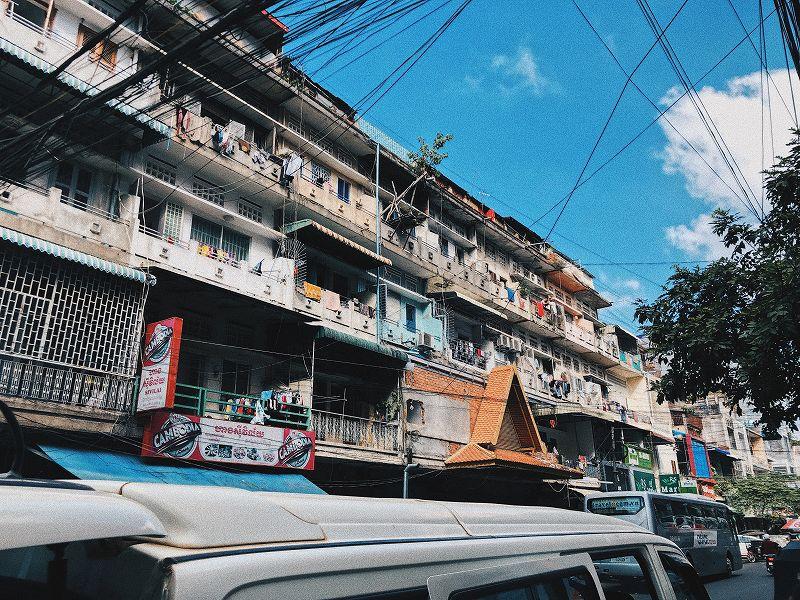 カンボジアの電圧は220V