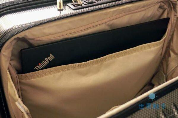 パリセイド3-Zのフロントポケットのサイズ
